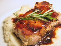 Pork-Steaks-On-The-Cauliflower-Mash